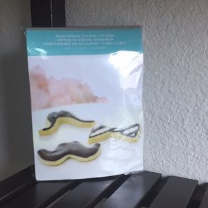 NWT Gartner Bow Tie & Mustache Cookie Cutters